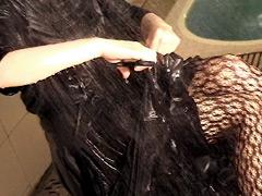 超豪華ドレスを濡らして汚す
